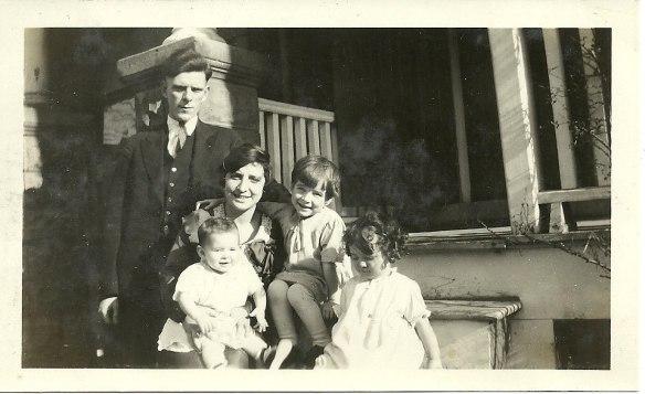 Florence Elliott married to John Moors, along with children.
